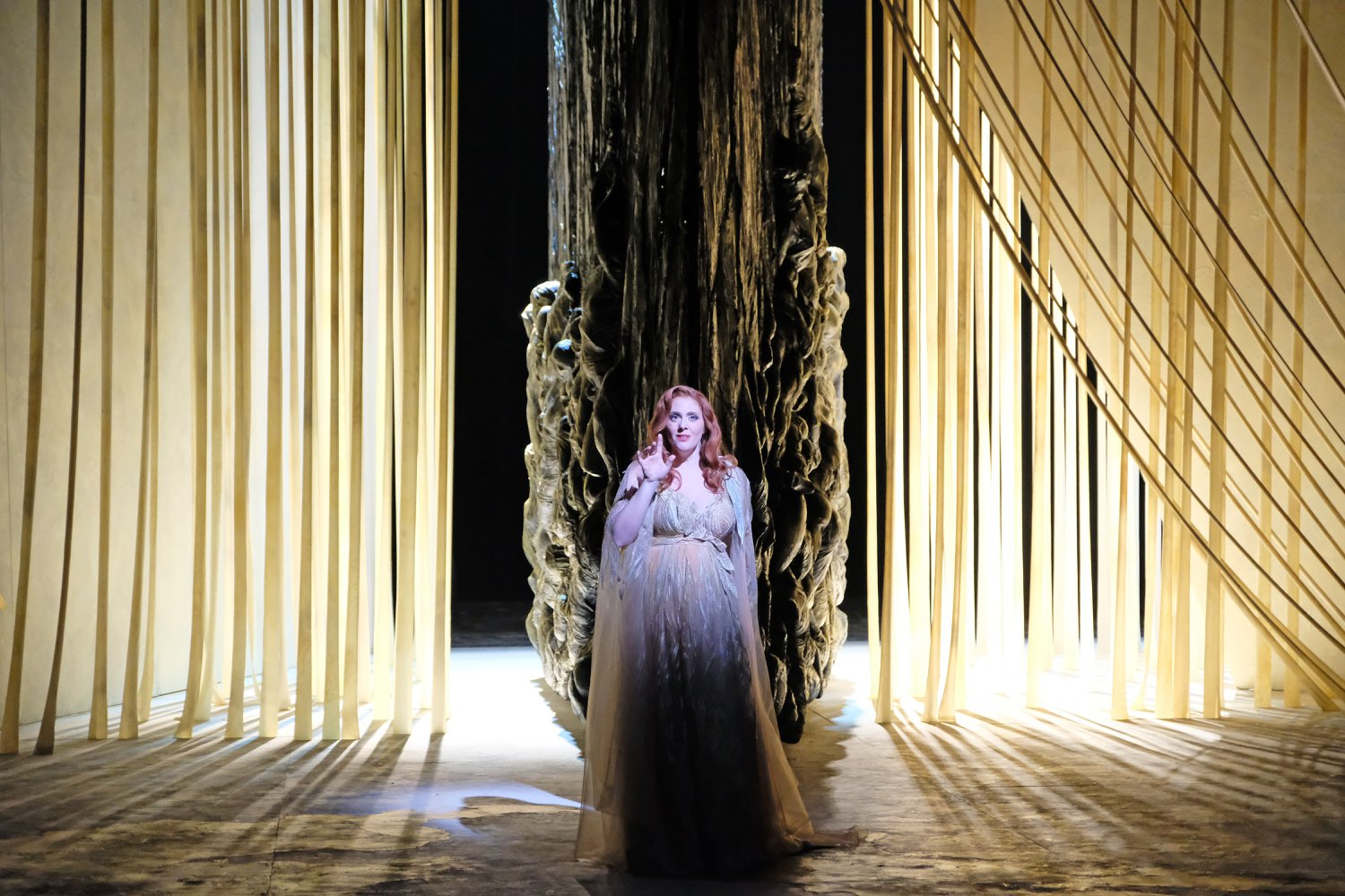Operawire: Q&A with Soprano Layla Claire